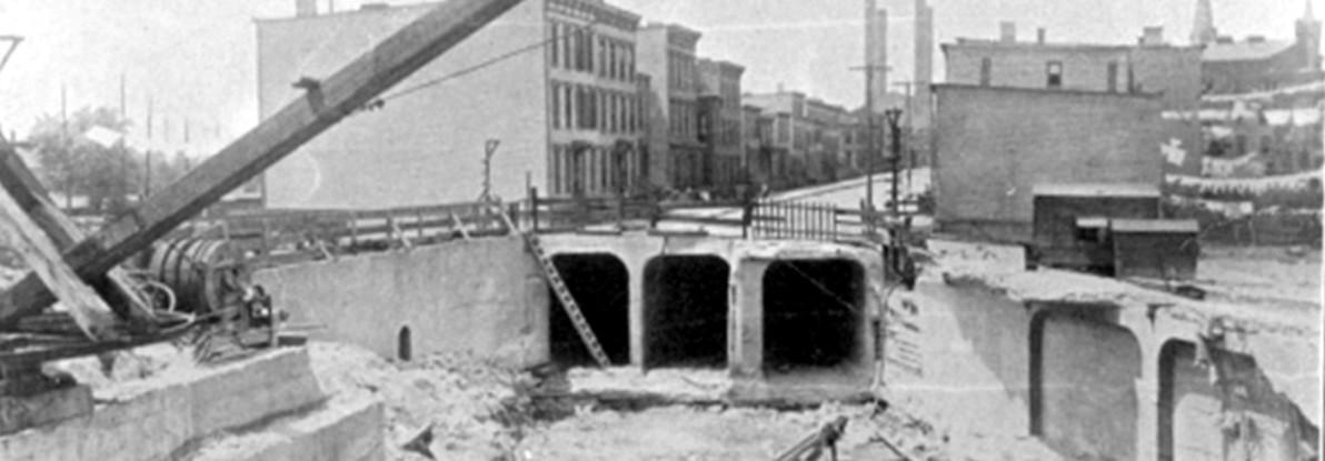 (101k, 1192x415)<br><b>Country:</b> United States<br><b>City:</b> New York<br><b>System:</b> New York City Transit<br><b>Line:</b> IRT Flushing Line<br><b>Location:</b> Hunterspoint Avenue <br><b>Collection of:</b> Frank Pfuhler<br><b>Date:</b> 6/6/1914<br><b>Notes:</b> Construction of tunnel portal<br><b>Viewed (this week/total):</b> 2 / 1466