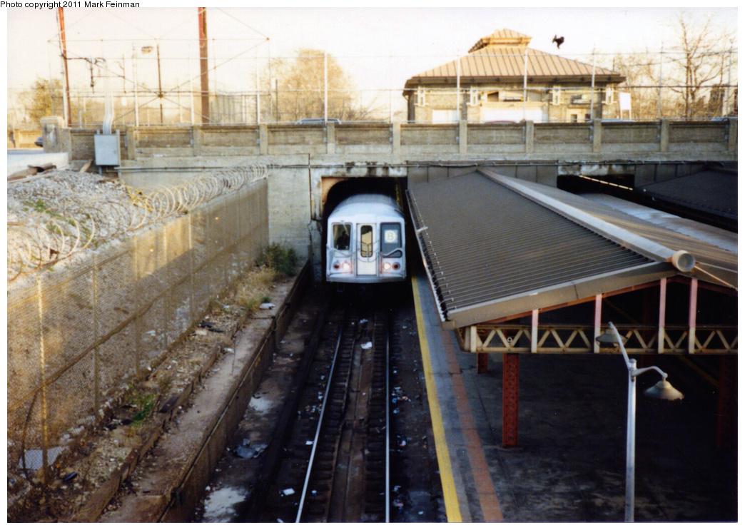 (357k, 1044x743)<br><b>Country:</b> United States<br><b>City:</b> New York<br><b>System:</b> New York City Transit<br><b>Line:</b> BMT West End Line<br><b>Location:</b> 9th Avenue <br><b>Route:</b> B<br><b>Car:</b> R-40 (St. Louis, 1968)   <br><b>Photo by:</b> Mark S. Feinman<br><b>Date:</b> 11/22/1989<br><b>Viewed (this week/total):</b> 2 / 2029