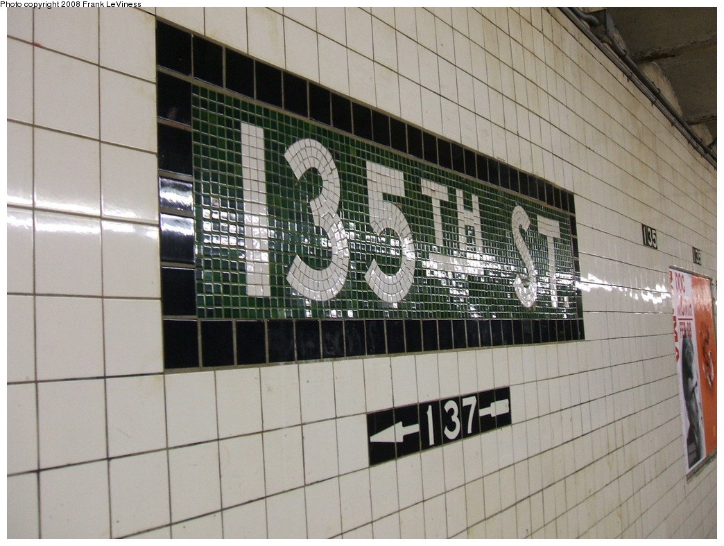 (228k, 1044x788)<br><b>Country:</b> United States<br><b>City:</b> New York<br><b>System:</b> New York City Transit<br><b>Line:</b> IND 8th Avenue Line<br><b>Location:</b> 135th Street <br><b>Photo by:</b> Frank LeViness<br><b>Date:</b> 2/25/2007<br><b>Viewed (this week/total):</b> 0 / 1580
