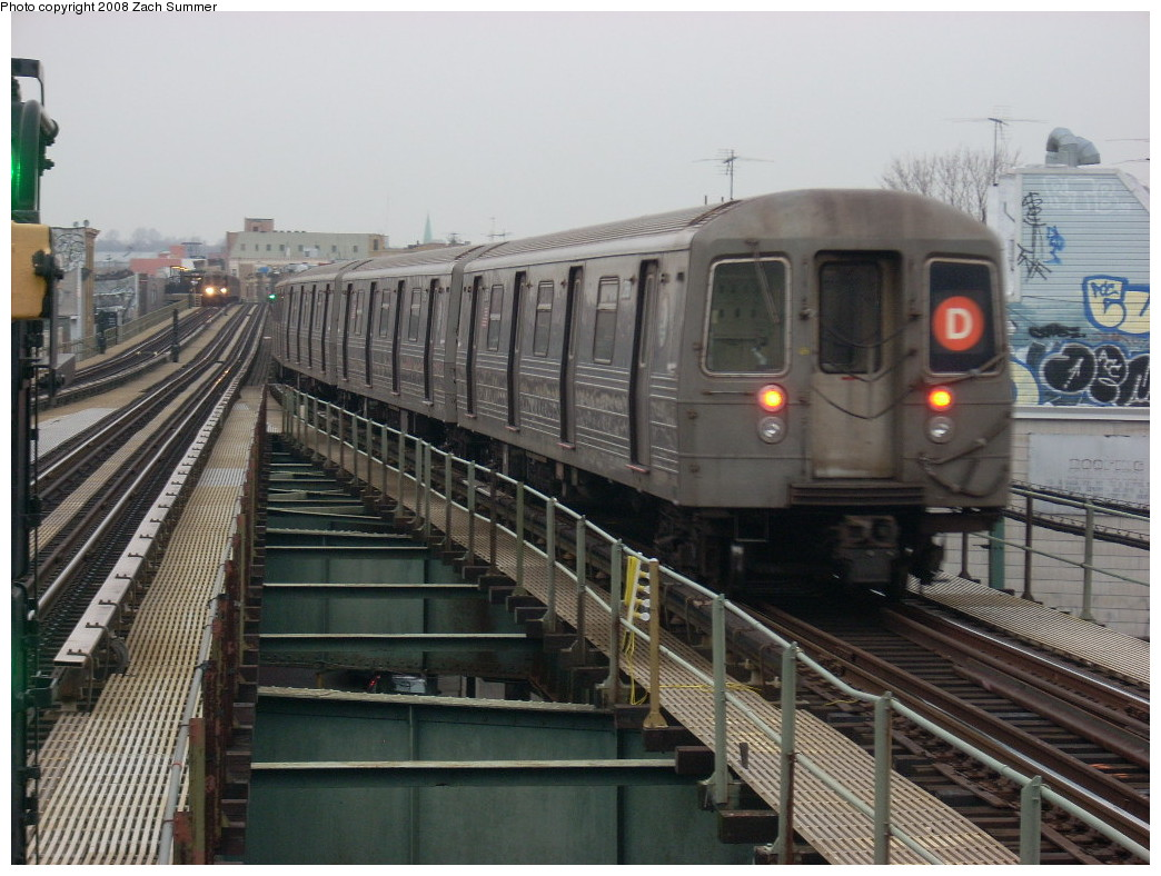 (255k, 1044x788)<br><b>Country:</b> United States<br><b>City:</b> New York<br><b>System:</b> New York City Transit<br><b>Line:</b> BMT West End Line<br><b>Location:</b> 62nd Street <br><b>Route:</b> D<br><b>Car:</b> R-68 (Westinghouse-Amrail, 1986-1988)   <br><b>Photo by:</b> Zach Summer<br><b>Date:</b> 12/22/2007<br><b>Viewed (this week/total):</b> 0 / 1332