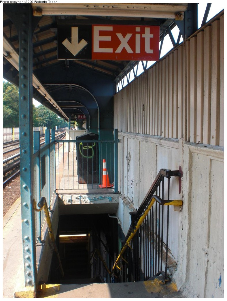 (243k, 788x1044)<br><b>Country:</b> United States<br><b>City:</b> New York<br><b>System:</b> New York City Transit<br><b>Line:</b> BMT Brighton Line<br><b>Location:</b> Neck Road <br><b>Photo by:</b> Roberto C. Tobar<br><b>Date:</b> 8/16/2009<br><b>Notes:</b> Stairs at Neck Road. Station soon to be rebuilt.<br><b>Viewed (this week/total):</b> 1 / 872