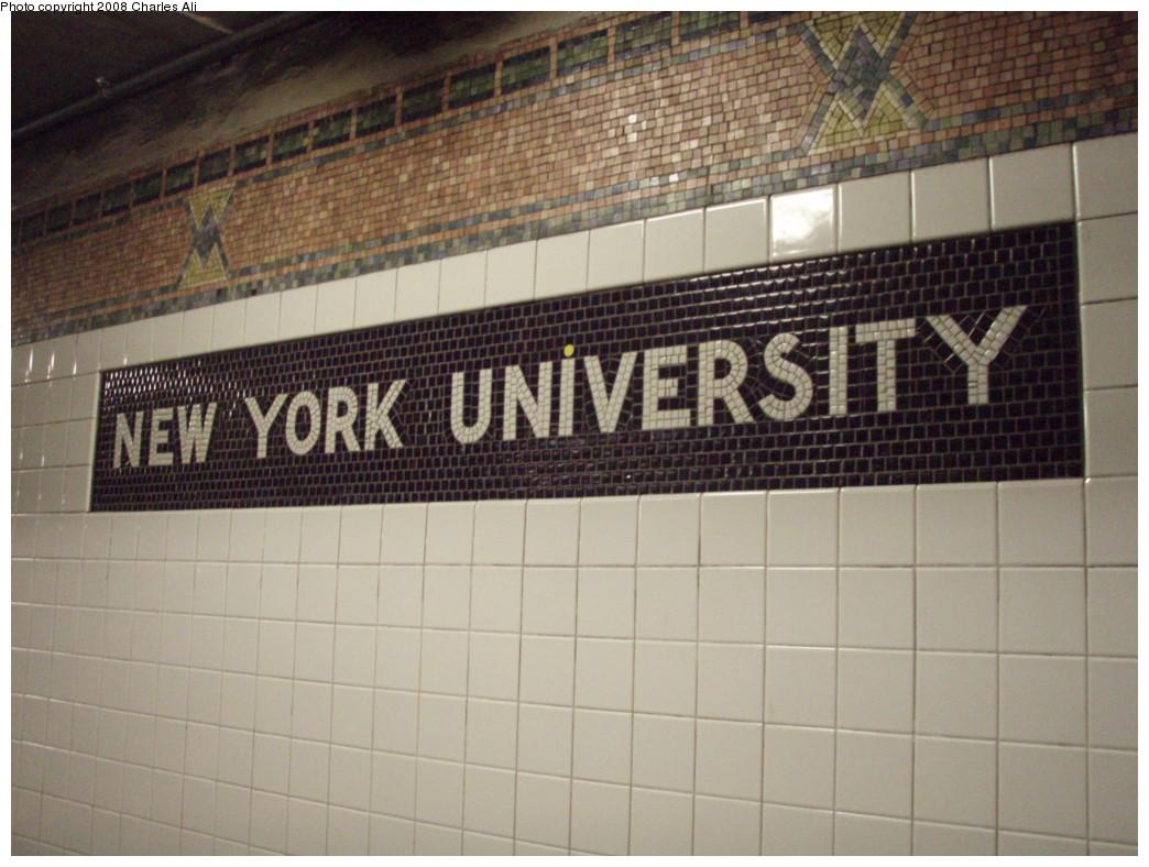 (217k, 1044x788)<br><b>Country:</b> United States<br><b>City:</b> New York<br><b>System:</b> New York City Transit<br><b>Line:</b> IRT West Side Line<br><b>Location:</b> Christopher Street/Sheridan Square <br><b>Photo by:</b> Charles Ali<br><b>Date:</b> 3/9/2008<br><b>Viewed (this week/total):</b> 0 / 1547