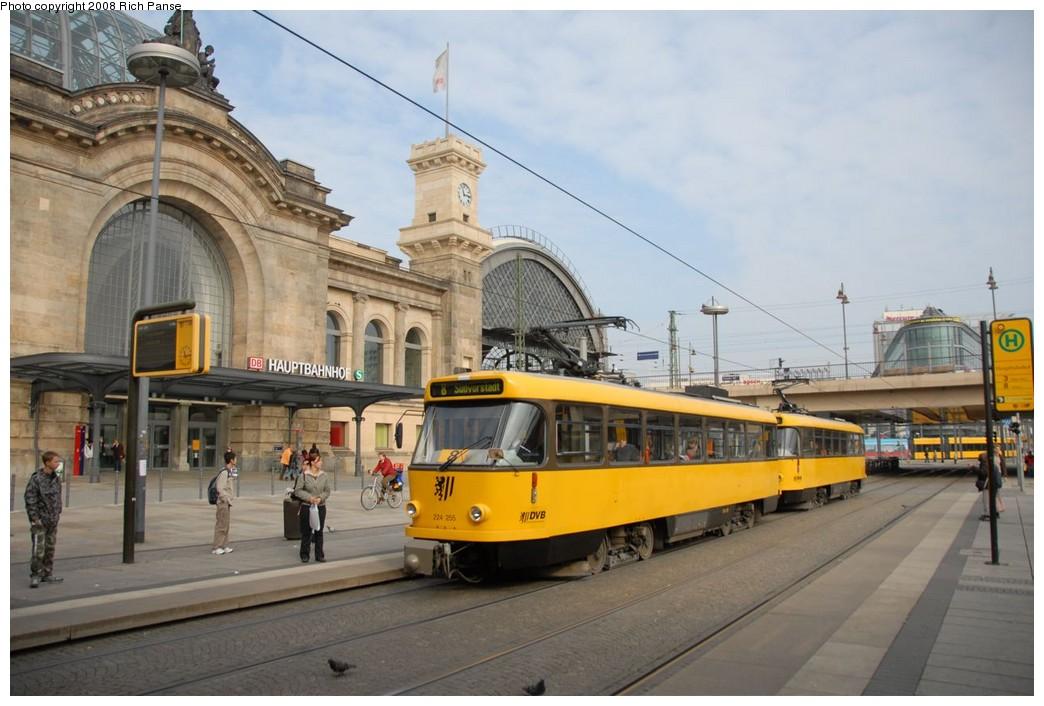 (197k, 1044x706)<br><b>Country:</b> Germany<br><b>City:</b> Dresden<br><b>System:</b> DVB (Dresdner Verkehrsbetriebe)<br><b>Location:</b> Hauptbahnhof<br><b>Route:</b> 8<br><b>Car:</b> Tatra T4DMT PCC  224-series 224255 <br><b>Photo by:</b> Richard Panse<br><b>Date:</b> 10/10/2007<br><b>Viewed (this week/total):</b> 0 / 487