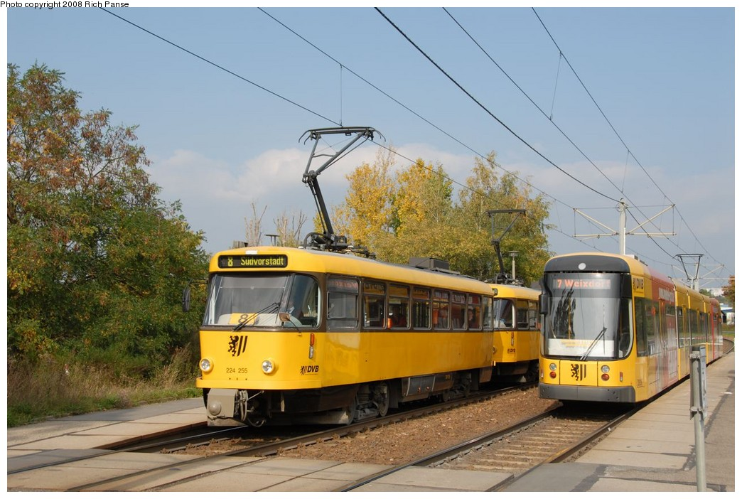 (196k, 1044x702)<br><b>Country:</b> Germany<br><b>City:</b> Dresden<br><b>System:</b> DVB (Dresdner Verkehrsbetriebe)<br><b>Location:</b> Hellersiedlung <br><b>Route:</b> 8<br><b>Car:</b> Tatra T4DMT PCC  224-series 224255 <br><b>Photo by:</b> Richard Panse<br><b>Date:</b> 10/10/2007<br><b>Viewed (this week/total):</b> 3 / 679