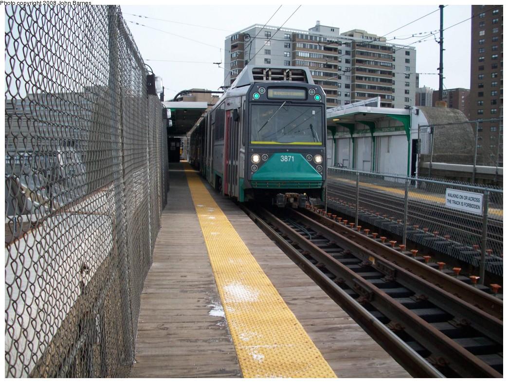 (282k, 1044x788)<br><b>Country:</b> United States<br><b>City:</b> Boston, MA<br><b>System:</b> MBTA<br><b>Line:</b> MBTA Green <br><b>Location:</b> Science Park <br><b>Car:</b> MBTA Type 8 LRV (Breda, 1998-2006)  3871 <br><b>Photo by:</b> John Barnes<br><b>Date:</b> 2/12/2008<br><b>Viewed (this week/total):</b> 2 / 1737