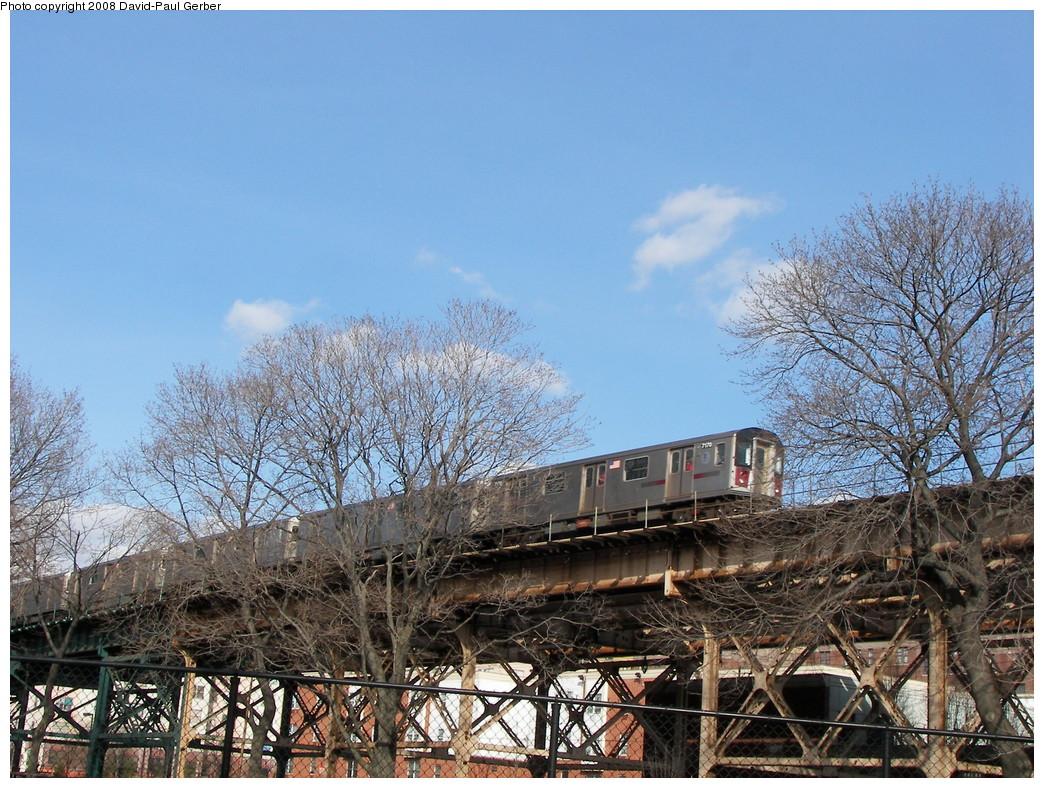 (347k, 1044x788)<br><b>Country:</b> United States<br><b>City:</b> New York<br><b>System:</b> New York City Transit<br><b>Line:</b> IRT Woodlawn Line<br><b>Location:</b> 161st Street/River Avenue (Yankee Stadium) <br><b>Route:</b> 4<br><b>Car:</b> R-142 (Option Order, Bombardier, 2002-2003)  7170 <br><b>Photo by:</b> David-Paul Gerber<br><b>Date:</b> 3/15/2008<br><b>Viewed (this week/total):</b> 0 / 1893