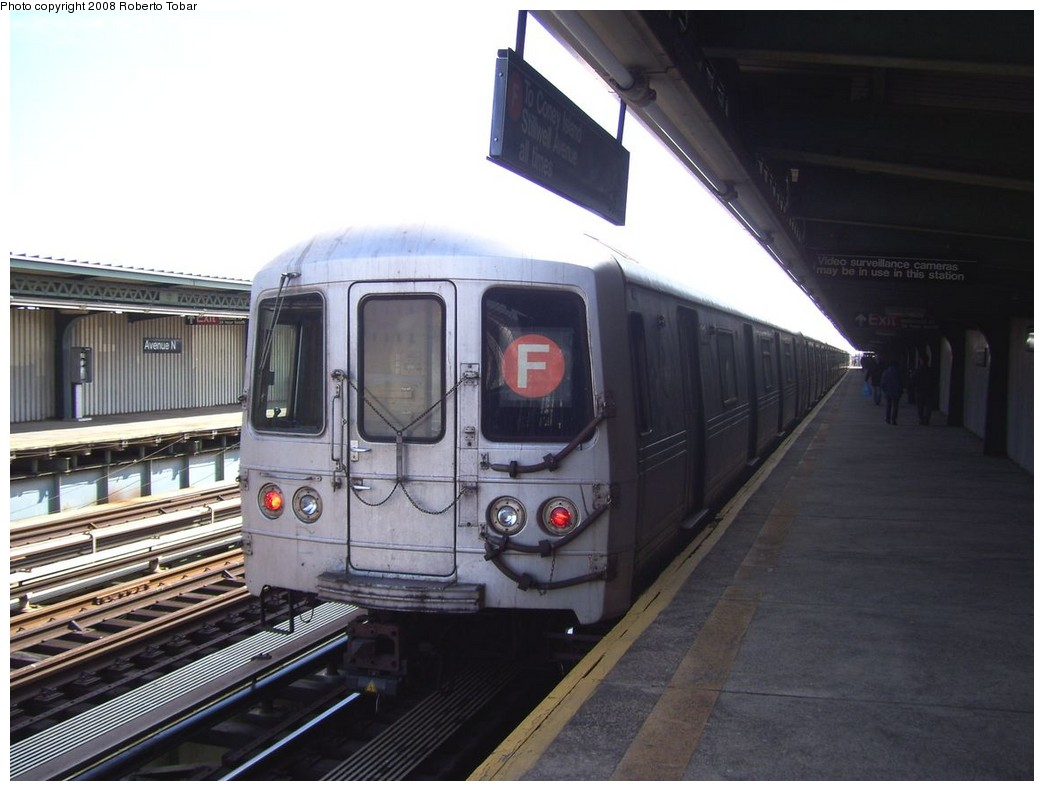 (177k, 1044x791)<br><b>Country:</b> United States<br><b>City:</b> New York<br><b>System:</b> New York City Transit<br><b>Line:</b> BMT Culver Line<br><b>Location:</b> Avenue N <br><b>Route:</b> F<br><b>Car:</b> R-46 (Pullman-Standard, 1974-75)  <br><b>Photo by:</b> Roberto C. Tobar<br><b>Date:</b> 3/22/2008<br><b>Viewed (this week/total):</b> 4 / 1710