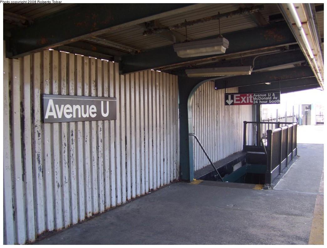 (208k, 1044x791)<br><b>Country:</b> United States<br><b>City:</b> New York<br><b>System:</b> New York City Transit<br><b>Line:</b> BMT Culver Line<br><b>Location:</b> Avenue U <br><b>Photo by:</b> Roberto C. Tobar<br><b>Date:</b> 3/22/2008<br><b>Notes:</b> Platform view.<br><b>Viewed (this week/total):</b> 0 / 1477