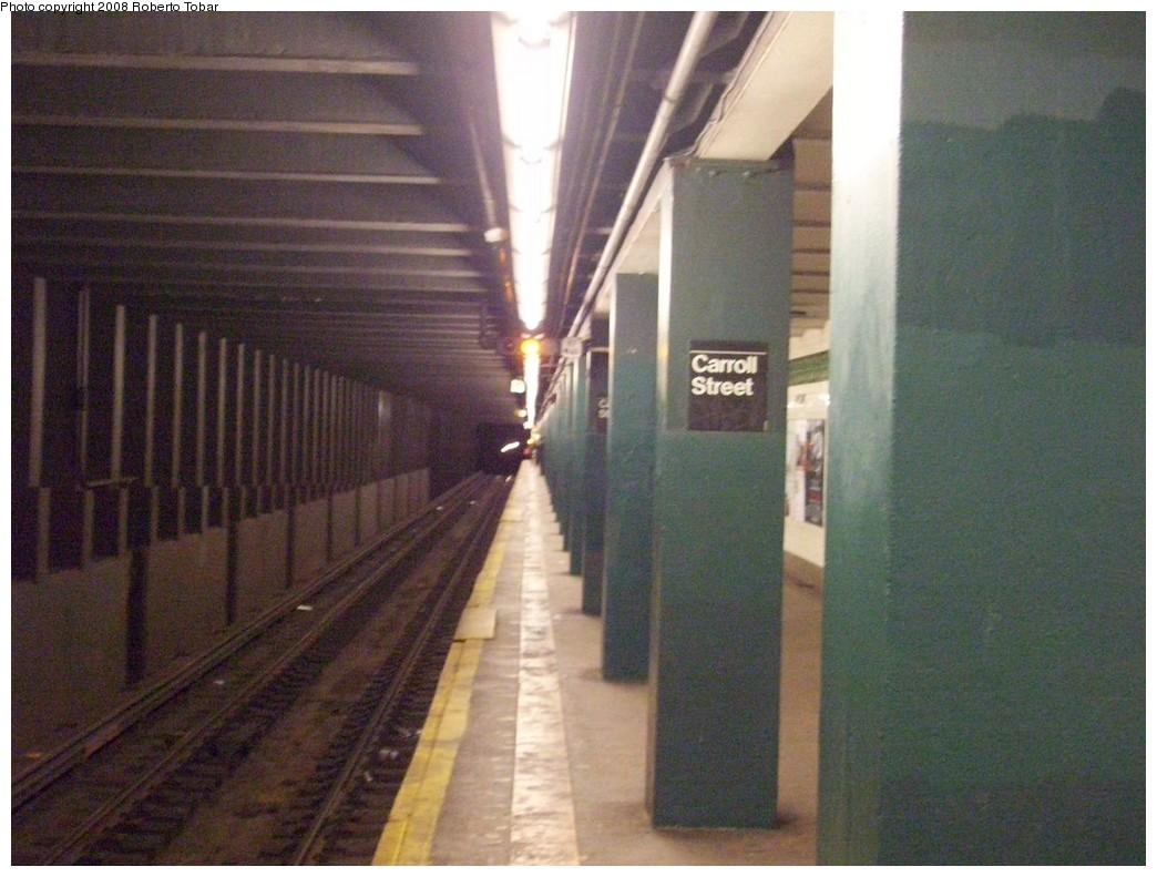 (203k, 1044x791)<br><b>Country:</b> United States<br><b>City:</b> New York<br><b>System:</b> New York City Transit<br><b>Line:</b> IND Crosstown Line<br><b>Location:</b> Carroll Street <br><b>Photo by:</b> Roberto C. Tobar<br><b>Date:</b> 3/22/2008<br><b>Notes:</b> Platform view.<br><b>Viewed (this week/total):</b> 4 / 2084
