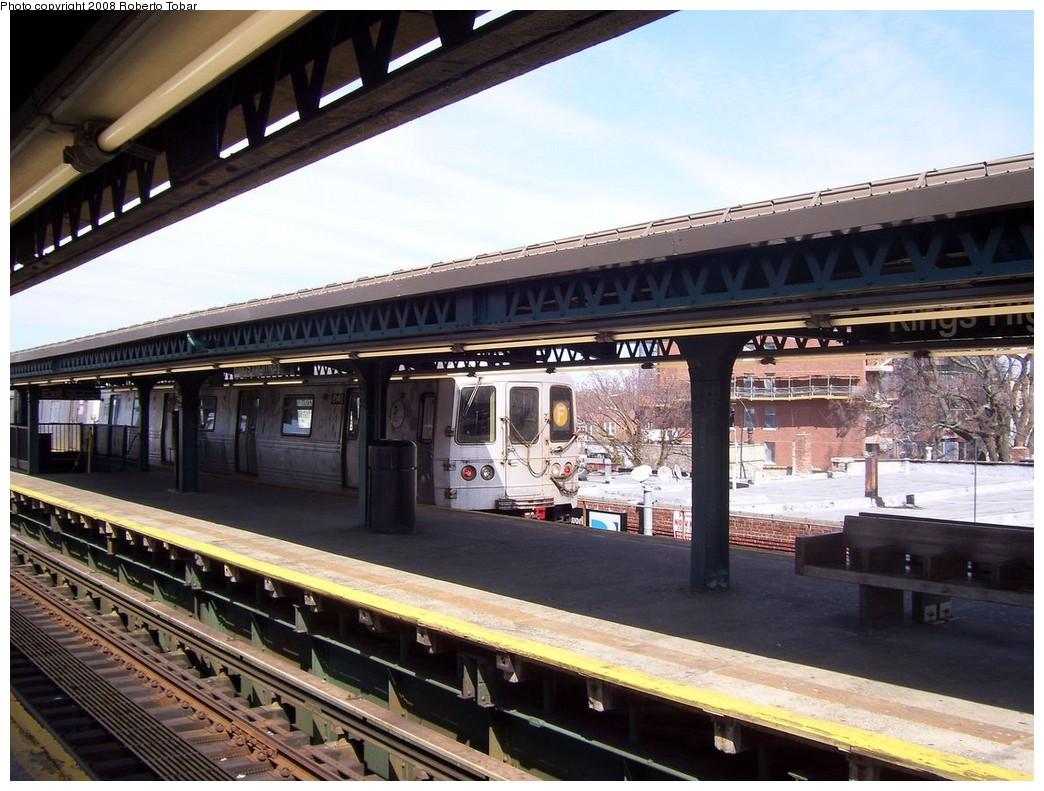 (234k, 1044x791)<br><b>Country:</b> United States<br><b>City:</b> New York<br><b>System:</b> New York City Transit<br><b>Line:</b> BMT Culver Line<br><b>Location:</b> Kings Highway <br><b>Photo by:</b> Roberto C. Tobar<br><b>Date:</b> 3/22/2008<br><b>Notes:</b> Platform view.<br><b>Viewed (this week/total):</b> 3 / 1165