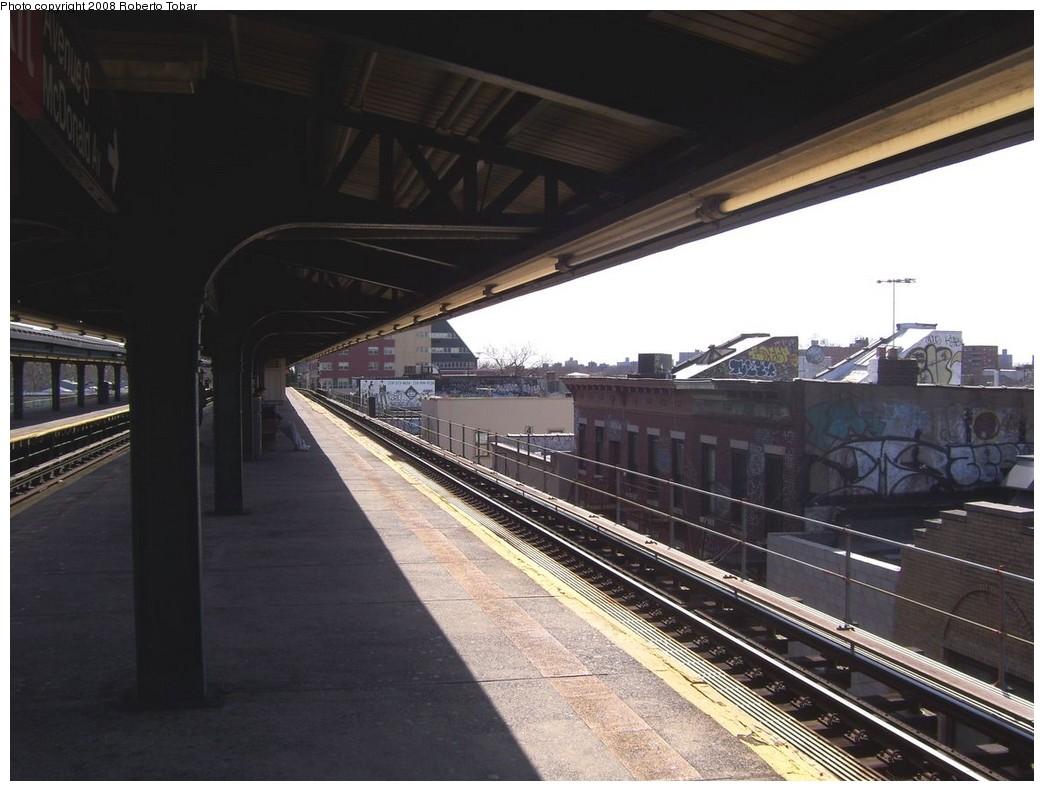 (188k, 1044x791)<br><b>Country:</b> United States<br><b>City:</b> New York<br><b>System:</b> New York City Transit<br><b>Line:</b> BMT Culver Line<br><b>Location:</b> Kings Highway <br><b>Photo by:</b> Roberto C. Tobar<br><b>Date:</b> 3/22/2008<br><b>Notes:</b> Platform view.<br><b>Viewed (this week/total):</b> 0 / 1142
