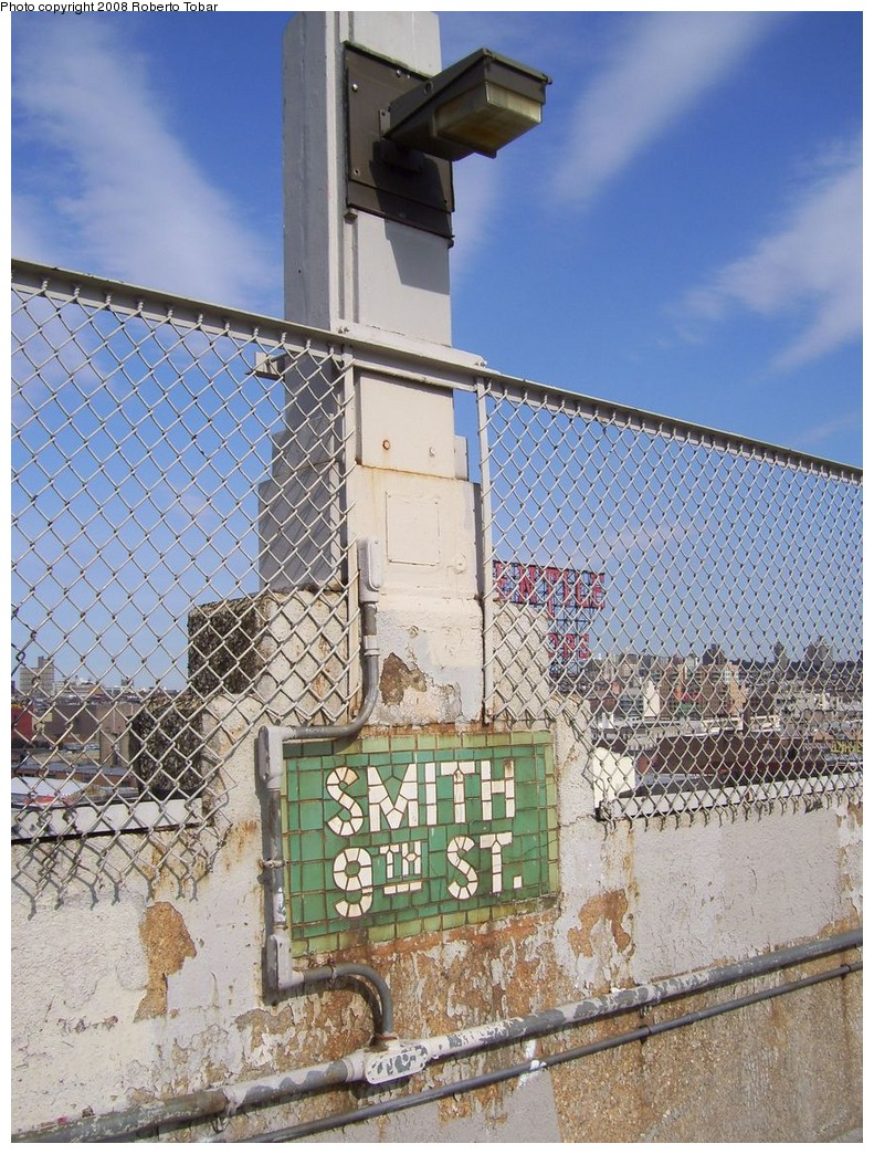 (301k, 791x1044)<br><b>Country:</b> United States<br><b>City:</b> New York<br><b>System:</b> New York City Transit<br><b>Line:</b> IND Crosstown Line<br><b>Location:</b> Smith/9th Street <br><b>Photo by:</b> Roberto C. Tobar<br><b>Date:</b> 3/22/2008<br><b>Notes:</b> Mosaic on platform.<br><b>Viewed (this week/total):</b> 0 / 1644