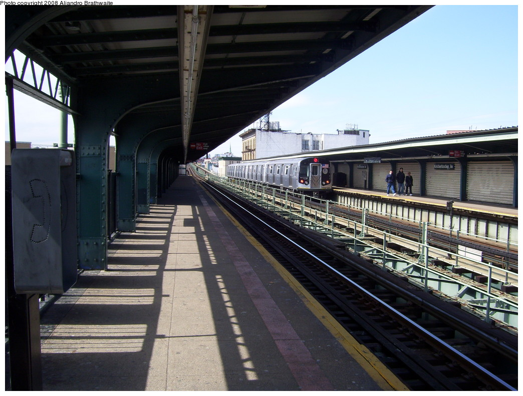 (240k, 1044x791)<br><b>Country:</b> United States<br><b>City:</b> New York<br><b>System:</b> New York City Transit<br><b>Line:</b> BMT Myrtle Avenue Line<br><b>Location:</b> Knickerbocker Avenue <br><b>Route:</b> M<br><b>Car:</b> R-160A-1 (Alstom, 2005-2008, 4 car sets)   <br><b>Photo by:</b> Aliandro Brathwaite<br><b>Date:</b> 3/22/2008<br><b>Notes:</b> Platform view.<br><b>Viewed (this week/total):</b> 0 / 2340
