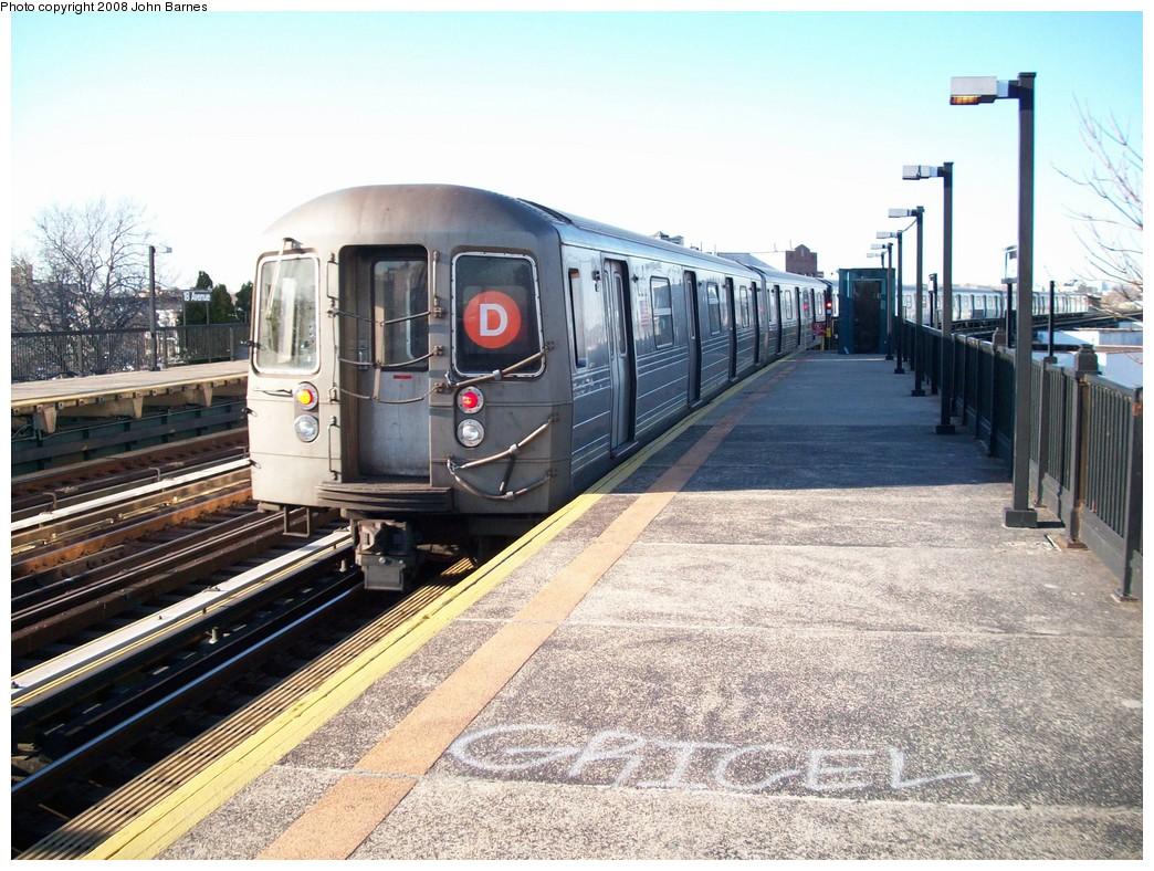 (270k, 1044x788)<br><b>Country:</b> United States<br><b>City:</b> New York<br><b>System:</b> New York City Transit<br><b>Line:</b> BMT West End Line<br><b>Location:</b> 18th Avenue <br><b>Route:</b> D<br><b>Car:</b> R-68 (Westinghouse-Amrail, 1986-1988)  2568 <br><b>Photo by:</b> John Barnes<br><b>Date:</b> 3/17/2008<br><b>Viewed (this week/total):</b> 0 / 1447