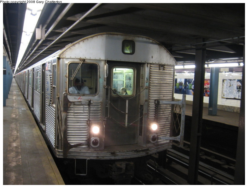 (124k, 820x620)<br><b>Country:</b> United States<br><b>City:</b> New York<br><b>System:</b> New York City Transit<br><b>Line:</b> IND Queens Boulevard Line<br><b>Location:</b> Northern Boulevard <br><b>Route:</b> R<br><b>Car:</b> R-32 (Budd, 1964)  3862 <br><b>Photo by:</b> Gary Chatterton<br><b>Date:</b> 3/11/2008<br><b>Viewed (this week/total):</b> 0 / 2738