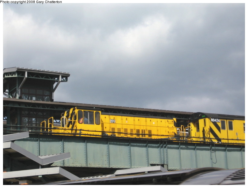 (98k, 820x620)<br><b>Country:</b> United States<br><b>City:</b> New York<br><b>System:</b> New York City Transit<br><b>Line:</b> IRT Flushing Line<br><b>Location:</b> 61st Street/Woodside <br><b>Route:</b> Work Service<br><b>Car:</b> R-77 Locomotive  899 <br><b>Photo by:</b> Gary Chatterton<br><b>Date:</b> 3/20/2008<br><b>Viewed (this week/total):</b> 1 / 1174