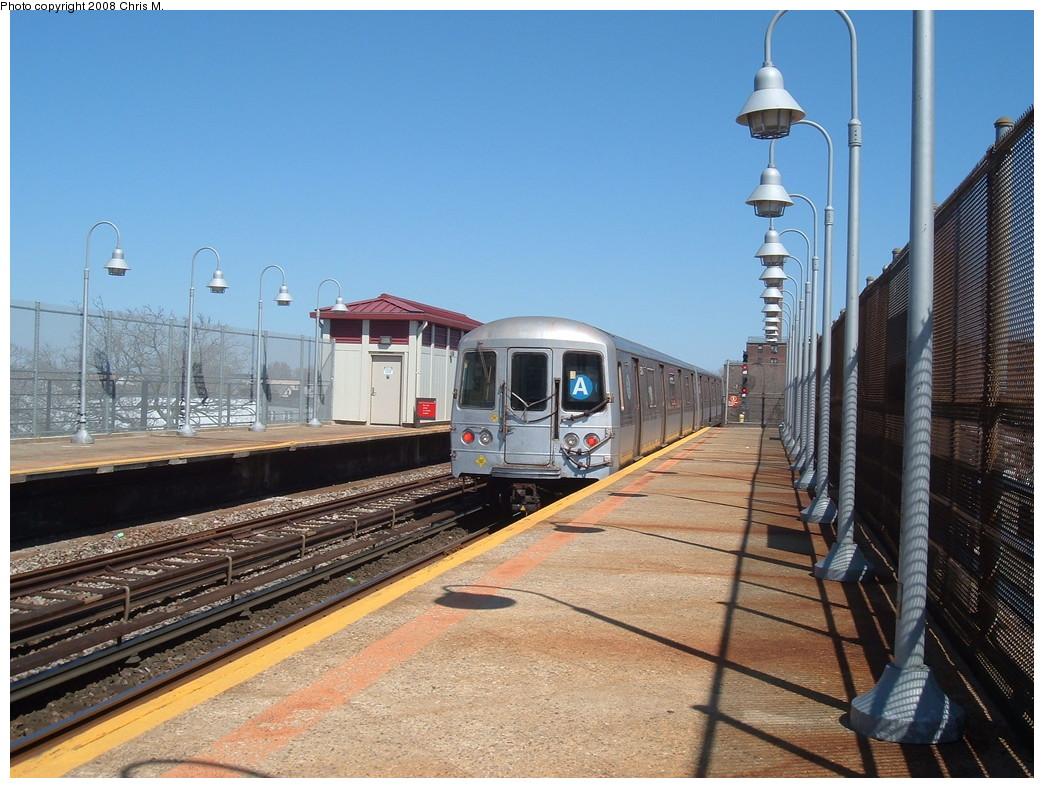 (249k, 1044x788)<br><b>Country:</b> United States<br><b>City:</b> New York<br><b>System:</b> New York City Transit<br><b>Line:</b> IND Rockaway<br><b>Location:</b> Beach 90th Street/Holland <br><b>Route:</b> A<br><b>Car:</b> R-44 (St. Louis, 1971-73) 5274 <br><b>Photo by:</b> Chris M.<br><b>Date:</b> 3/29/2008<br><b>Viewed (this week/total):</b> 0 / 1717