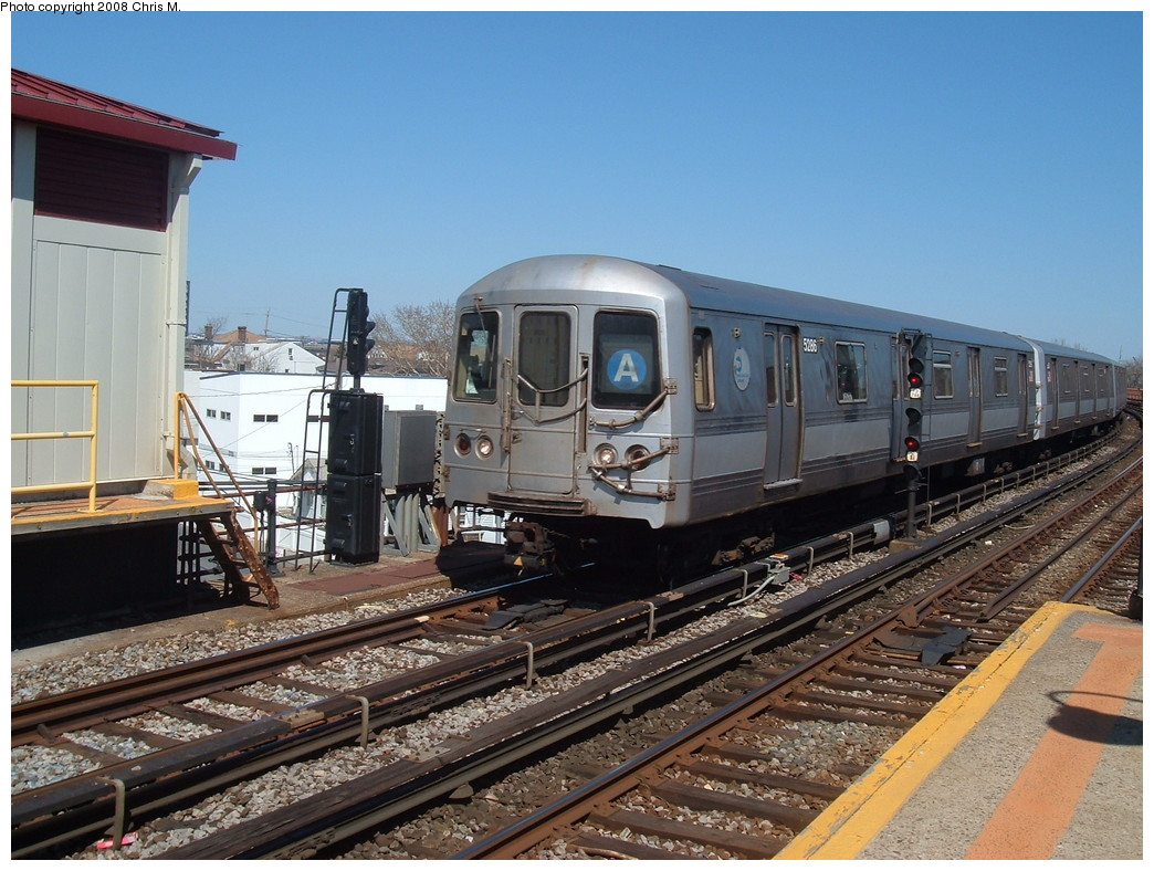 (248k, 1044x788)<br><b>Country:</b> United States<br><b>City:</b> New York<br><b>System:</b> New York City Transit<br><b>Line:</b> IND Rockaway<br><b>Location:</b> Beach 90th Street/Holland <br><b>Route:</b> A<br><b>Car:</b> R-44 (St. Louis, 1971-73) 5286 <br><b>Photo by:</b> Chris M.<br><b>Date:</b> 3/29/2008<br><b>Viewed (this week/total):</b> 0 / 1932