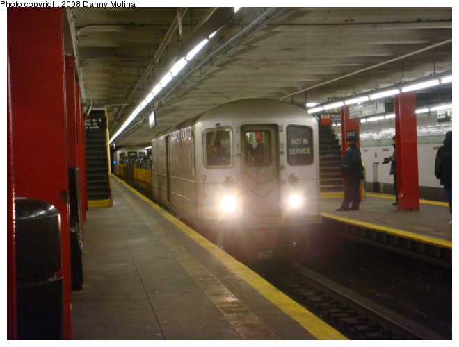 (88k, 660x500)<br><b>Country:</b> United States<br><b>City:</b> New York<br><b>System:</b> New York City Transit<br><b>Line:</b> IND Crosstown Line<br><b>Location:</b> Bedford/Nostrand Aves. <br><b>Route:</b> Work Service<br><b>Car:</b> R-127/R-134 (Kawasaki, 1991-1996) EP010 <br><b>Photo by:</b> Danny Molina<br><b>Date:</b> 2/15/2008<br><b>Viewed (this week/total):</b> 0 / 2064