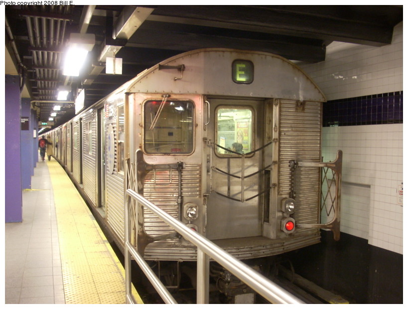 (163k, 819x619)<br><b>Country:</b> United States<br><b>City:</b> New York<br><b>System:</b> New York City Transit<br><b>Line:</b> IND 8th Avenue Line<br><b>Location:</b> Chambers Street/World Trade Center <br><b>Route:</b> E<br><b>Car:</b> R-32 (Budd, 1964)  3354 <br><b>Photo by:</b> Bill E.<br><b>Date:</b> 3/29/2008<br><b>Viewed (this week/total):</b> 3 / 1925