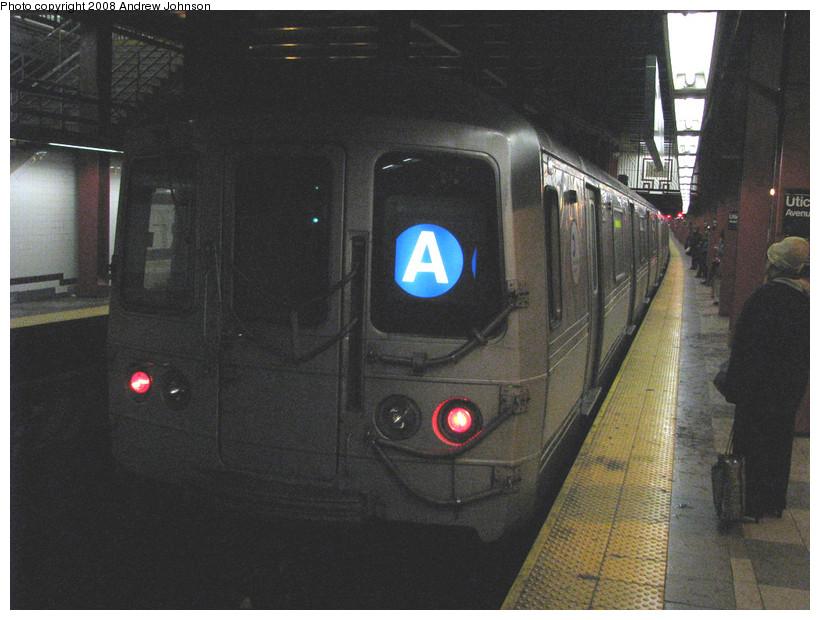 (160k, 820x620)<br><b>Country:</b> United States<br><b>City:</b> New York<br><b>System:</b> New York City Transit<br><b>Line:</b> IND Fulton Street Line<br><b>Location:</b> Utica Avenue <br><b>Route:</b> A<br><b>Car:</b> R-44 (St. Louis, 1971-73) 5270 <br><b>Photo by:</b> Andrew Johnson<br><b>Date:</b> 3/19/2008<br><b>Viewed (this week/total):</b> 0 / 2079