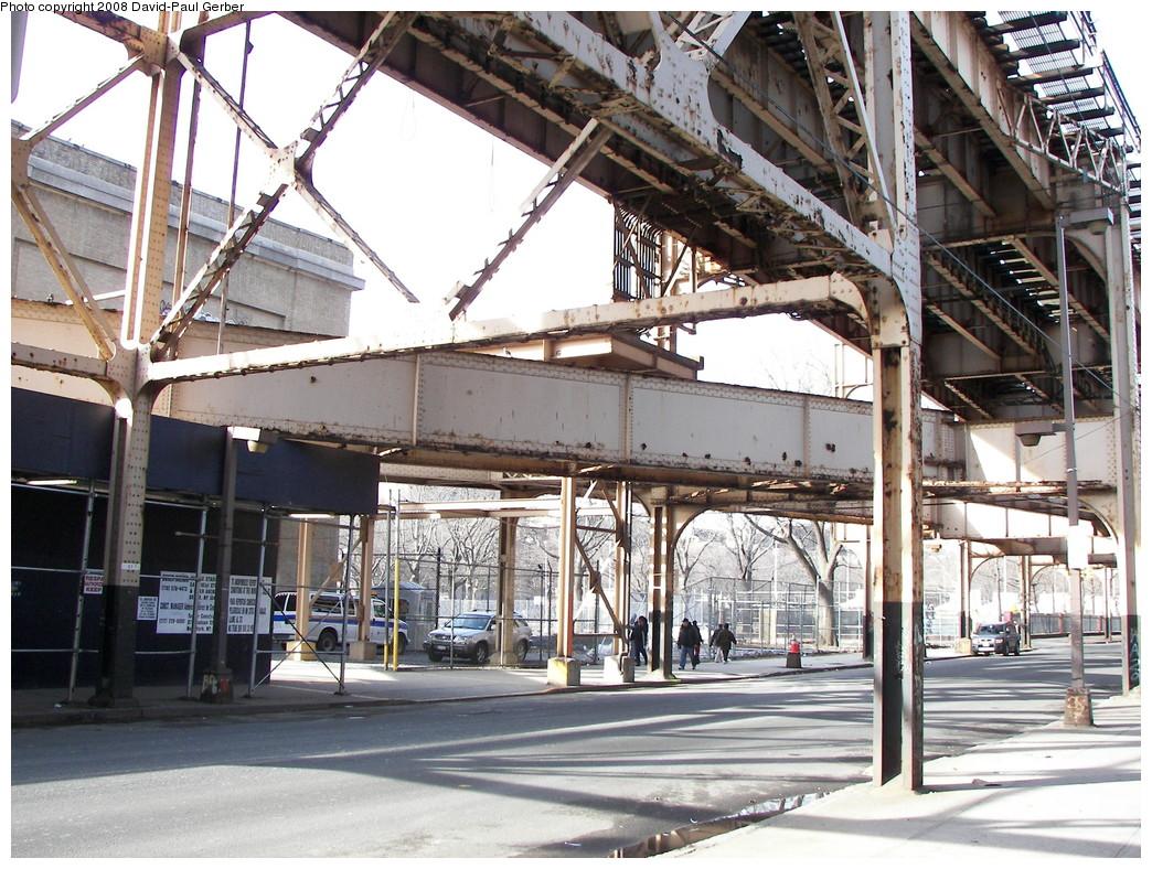 (348k, 1044x788)<br><b>Country:</b> United States<br><b>City:</b> New York<br><b>System:</b> New York City Transit<br><b>Line:</b> 9th Avenue El<br><b>Location:</b> Jerome Avenue-9th Avenue El Connection <br><b>Photo by:</b> David-Paul Gerber<br><b>Date:</b> 3/15/2008<br><b>Viewed (this week/total):</b> 0 / 4574