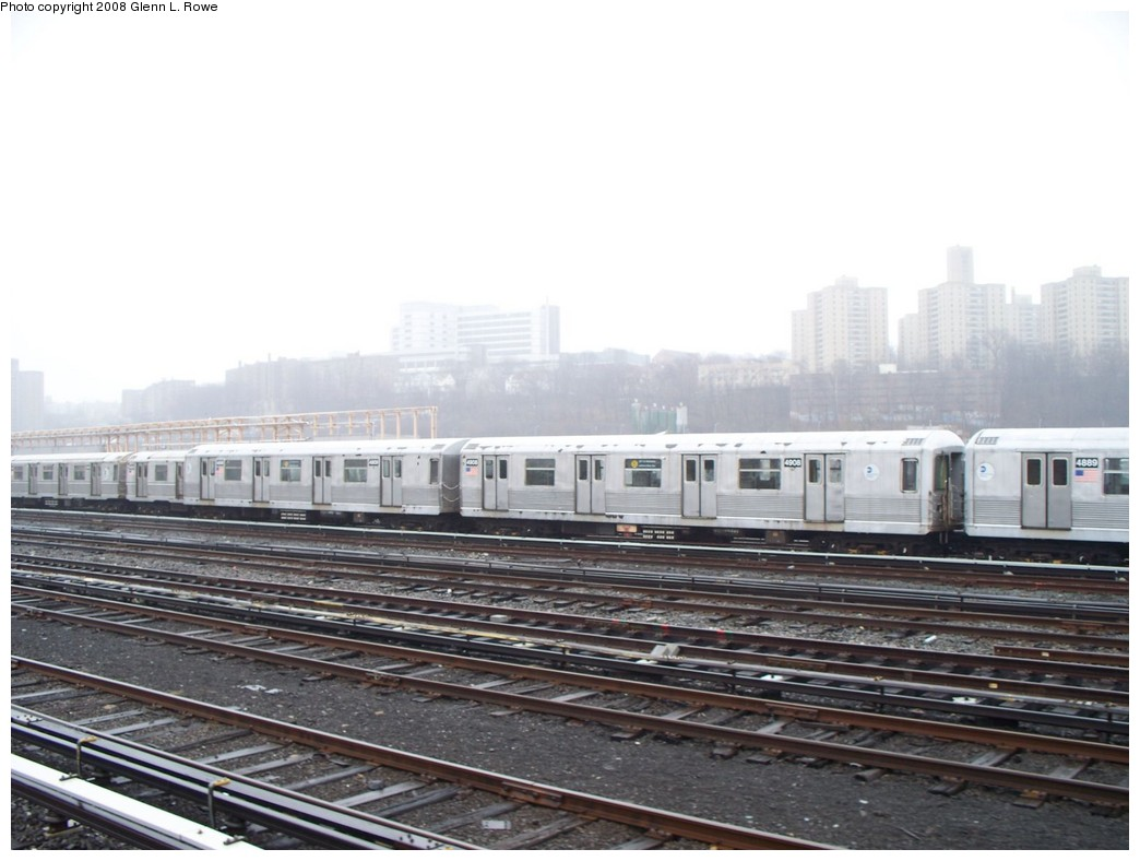 (172k, 1044x788)<br><b>Country:</b> United States<br><b>City:</b> New York<br><b>System:</b> New York City Transit<br><b>Location:</b> 207th Street Yard<br><b>Car:</b> R-42 (St. Louis, 1969-1970)  4908 <br><b>Photo by:</b> Glenn L. Rowe<br><b>Date:</b> 4/4/2008<br><b>Viewed (this week/total):</b> 2 / 1634