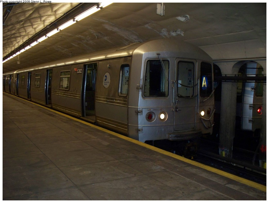 (169k, 1044x788)<br><b>Country:</b> United States<br><b>City:</b> New York<br><b>System:</b> New York City Transit<br><b>Line:</b> IND 8th Avenue Line<br><b>Location:</b> 190th Street/Overlook Terrace <br><b>Route:</b> A<br><b>Car:</b> R-44 (St. Louis, 1971-73) 5382 <br><b>Photo by:</b> Glenn L. Rowe<br><b>Date:</b> 4/3/2008<br><b>Viewed (this week/total):</b> 0 / 1693
