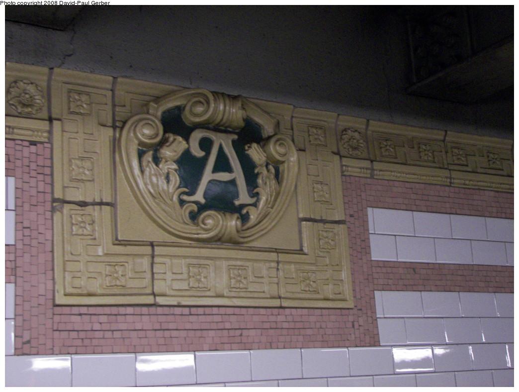 (246k, 1044x788)<br><b>Country:</b> United States<br><b>City:</b> New York<br><b>System:</b> New York City Transit<br><b>Line:</b> IRT Brooklyn Line<br><b>Location:</b> Atlantic Avenue <br><b>Photo by:</b> David-Paul Gerber<br><b>Date:</b> 4/6/2008<br><b>Viewed (this week/total):</b> 1 / 1447