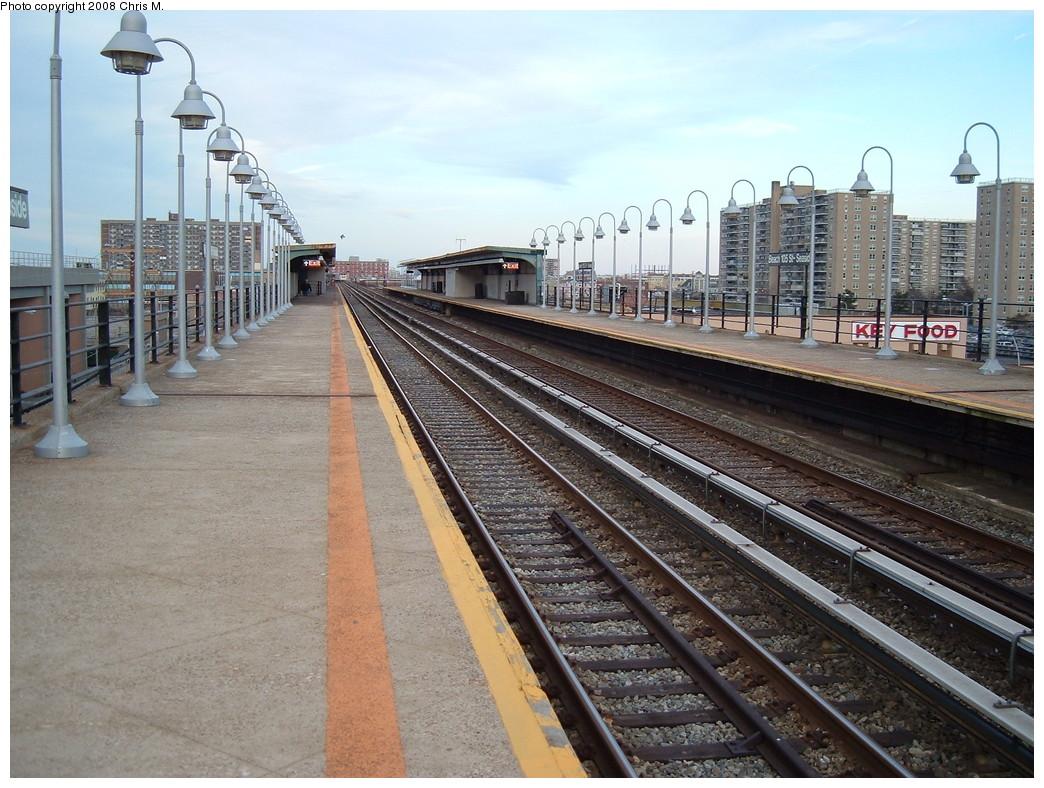 (260k, 1044x788)<br><b>Country:</b> United States<br><b>City:</b> New York<br><b>System:</b> New York City Transit<br><b>Line:</b> IND Rockaway<br><b>Location:</b> Beach 105th Street/Seaside <br><b>Photo by:</b> Chris M.<br><b>Date:</b> 4/5/2008<br><b>Notes:</b> View from southbound platform<br><b>Viewed (this week/total):</b> 2 / 908
