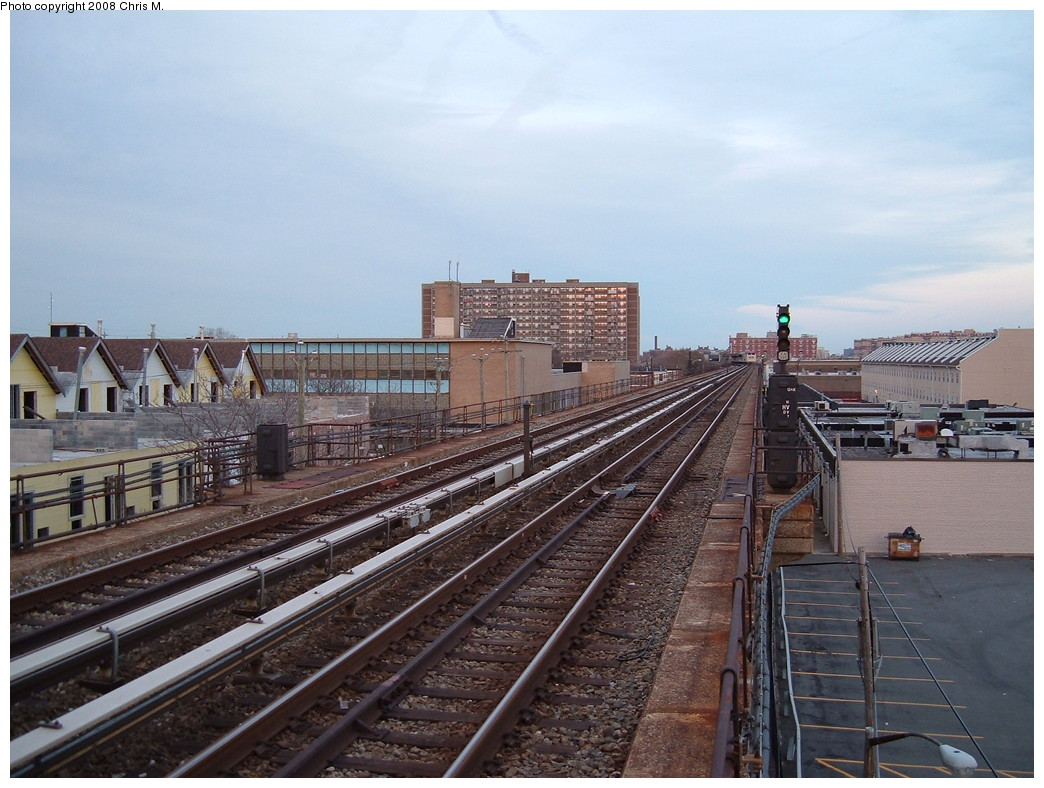 (231k, 1044x788)<br><b>Country:</b> United States<br><b>City:</b> New York<br><b>System:</b> New York City Transit<br><b>Line:</b> IND Rockaway<br><b>Location:</b> Beach 105th Street/Seaside <br><b>Photo by:</b> Chris M.<br><b>Date:</b> 4/5/2008<br><b>Notes:</b> View north.<br><b>Viewed (this week/total):</b> 1 / 911