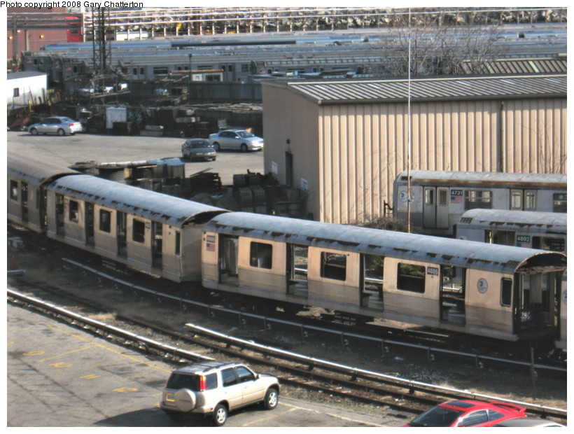 (157k, 820x620)<br><b>Country:</b> United States<br><b>City:</b> New York<br><b>System:</b> New York City Transit<br><b>Location:</b> 207th Street Yard<br><b>Car:</b> R-42 (St. Louis, 1969-1970)  4886/4887 <br><b>Photo by:</b> Gary Chatterton<br><b>Date:</b> 3/11/2008<br><b>Viewed (this week/total):</b> 0 / 1071
