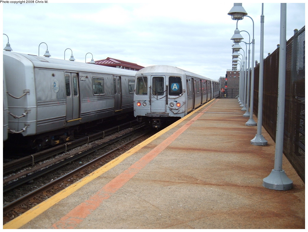 (224k, 1044x788)<br><b>Country:</b> United States<br><b>City:</b> New York<br><b>System:</b> New York City Transit<br><b>Line:</b> IND Rockaway<br><b>Location:</b> Beach 90th Street/Holland <br><b>Route:</b> A<br><b>Car:</b> R-44 (St. Louis, 1971-73) 5465/5240 <br><b>Photo by:</b> Chris M.<br><b>Date:</b> 4/6/2008<br><b>Viewed (this week/total):</b> 1 / 1775