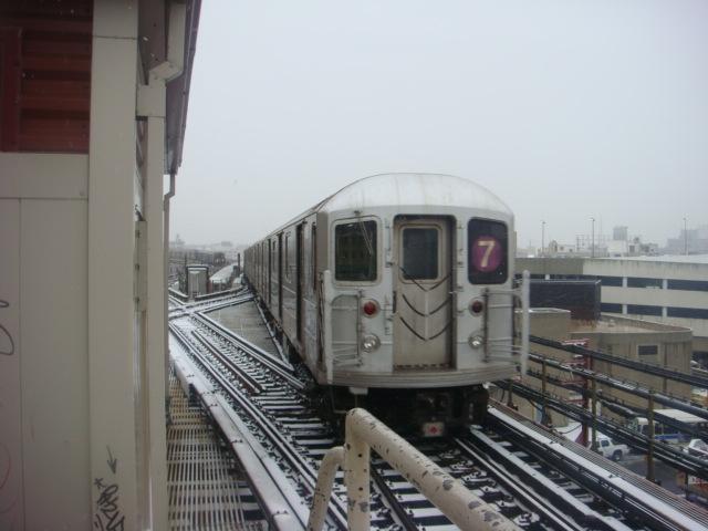 (90k, 640x480)<br><b>Country:</b> United States<br><b>City:</b> New York<br><b>System:</b> New York City Transit<br><b>Line:</b> IRT Flushing Line<br><b>Location:</b> Queensborough Plaza <br><b>Route:</b> 7<br><b>Car:</b> R-62A (Bombardier, 1984-1987)   <br><b>Photo by:</b> Danny Molina<br><b>Date:</b> 2/13/2008<br><b>Viewed (this week/total):</b> 0 / 1524