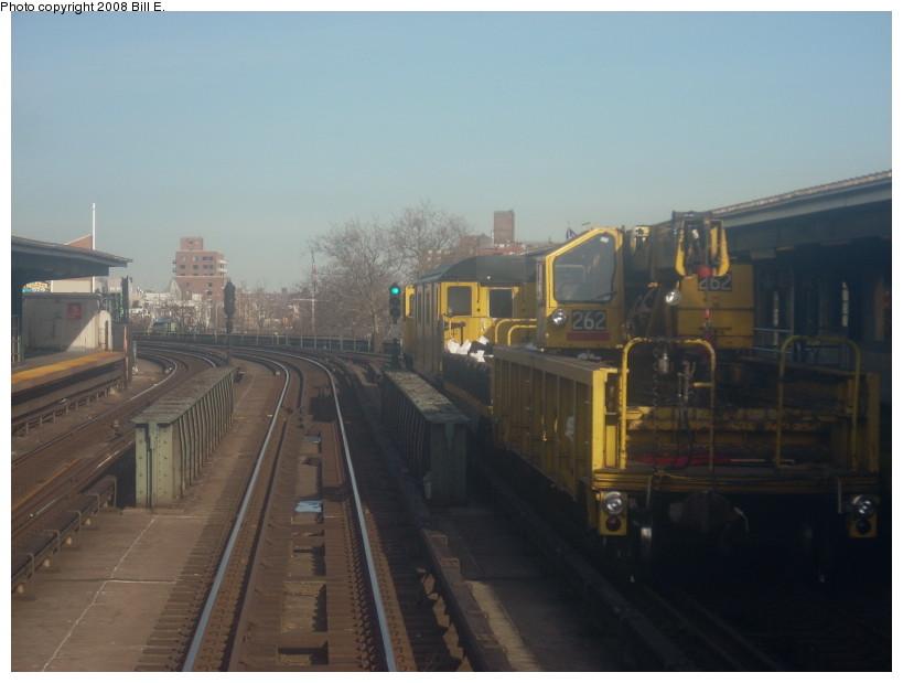 (122k, 819x619)<br><b>Country:</b> United States<br><b>City:</b> New York<br><b>System:</b> New York City Transit<br><b>Line:</b> IRT Flushing Line<br><b>Location:</b> 46th Street/Bliss Street <br><b>Route:</b> Work Service<br><b>Car:</b> R-113 Crane Car  262 <br><b>Photo by:</b> Bill E.<br><b>Date:</b> 4/5/2008<br><b>Viewed (this week/total):</b> 0 / 1483