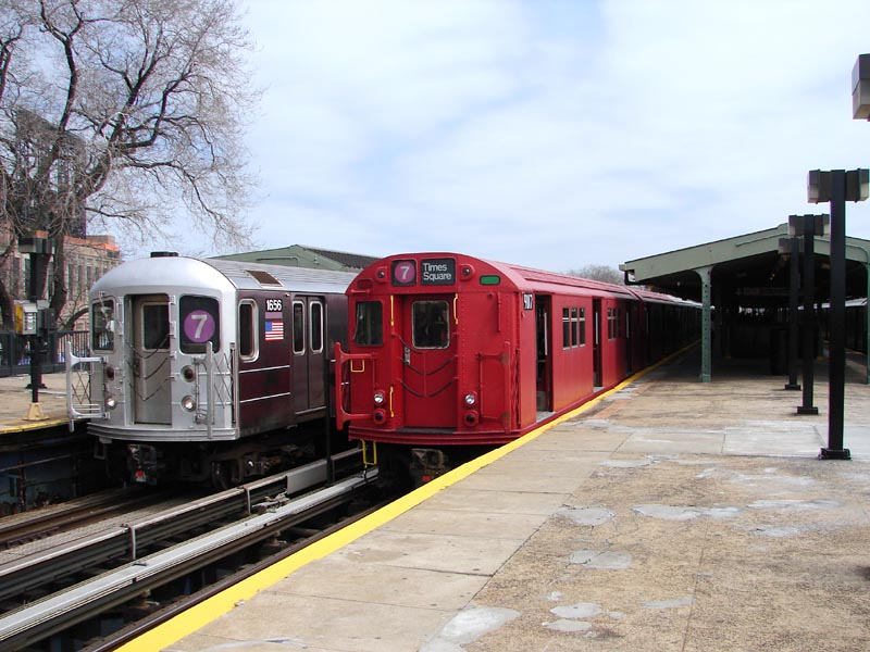 (98k, 800x600)<br><b>Country:</b> United States<br><b>City:</b> New York<br><b>System:</b> New York City Transit<br><b>Line:</b> IRT Flushing Line<br><b>Location:</b> Willets Point/Mets (fmr. Shea Stadium) <br><b>Route:</b> Museum Train Service (7)<br><b>Car:</b> R-33 Main Line (St. Louis, 1962-63) 9017 <br><b>Photo by:</b> Bob Vogel<br><b>Date:</b> 4/8/2008<br><b>Viewed (this week/total):</b> 0 / 1537