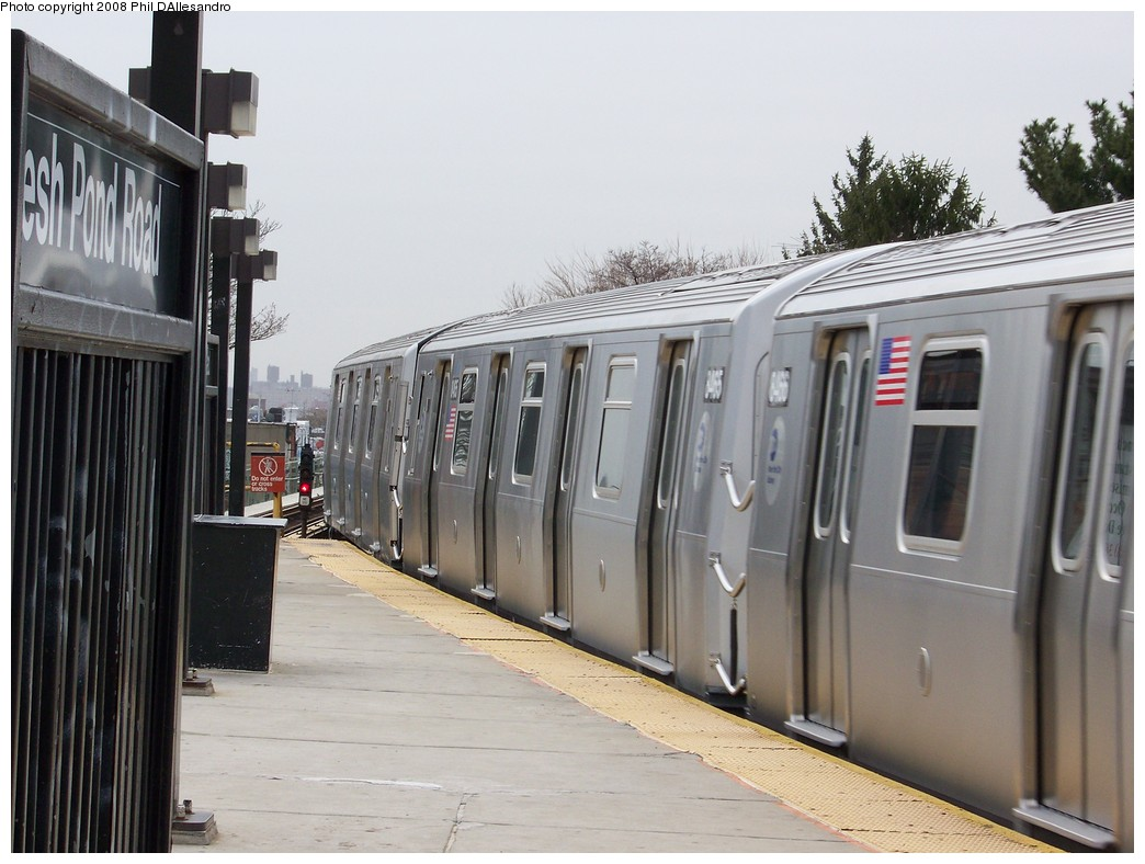 (195k, 1044x788)<br><b>Country:</b> United States<br><b>City:</b> New York<br><b>System:</b> New York City Transit<br><b>Line:</b> BMT Myrtle Avenue Line<br><b>Location:</b> Fresh Pond Road <br><b>Route:</b> M<br><b>Car:</b> R-160A-1 (Alstom, 2005-2008, 4 car sets)  8465 <br><b>Photo by:</b> Philip D'Allesandro<br><b>Date:</b> 4/7/2008<br><b>Notes:</b> First day of full 8-car R160A trains on the M line.<br><b>Viewed (this week/total):</b> 0 / 2287
