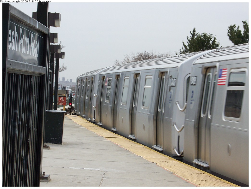 (191k, 1044x788)<br><b>Country:</b> United States<br><b>City:</b> New York<br><b>System:</b> New York City Transit<br><b>Line:</b> BMT Myrtle Avenue Line<br><b>Location:</b> Fresh Pond Road <br><b>Route:</b> M<br><b>Car:</b> R-160A-1 (Alstom, 2005-2008, 4 car sets)  8467 <br><b>Photo by:</b> Philip D'Allesandro<br><b>Date:</b> 4/7/2008<br><b>Notes:</b> First day of full 8-car R160A trains on the M line.<br><b>Viewed (this week/total):</b> 0 / 2260
