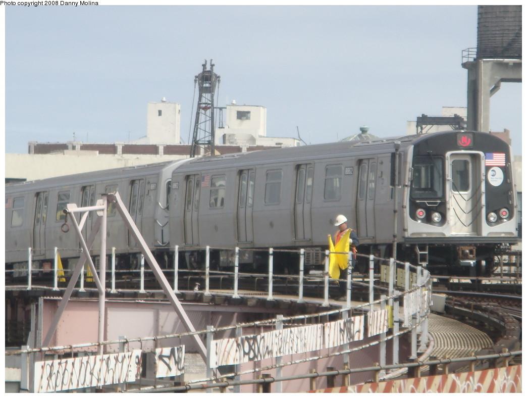 (204k, 1044x788)<br><b>Country:</b> United States<br><b>City:</b> New York<br><b>System:</b> New York City Transit<br><b>Line:</b> BMT Astoria Line<br><b>Location:</b> Queensborough Plaza <br><b>Route:</b> N<br><b>Car:</b> R-160B (Kawasaki, 2005-2008)  8862 <br><b>Photo by:</b> Danny Molina<br><b>Date:</b> 4/9/2008<br><b>Viewed (this week/total):</b> 0 / 2277