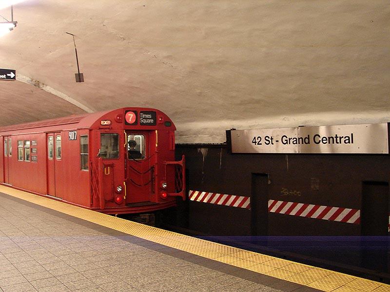 (91k, 800x600)<br><b>Country:</b> United States<br><b>City:</b> New York<br><b>System:</b> New York City Transit<br><b>Line:</b> IRT Flushing Line<br><b>Location:</b> Grand Central <br><b>Route:</b> Museum Train Service (7)<br><b>Car:</b> R-33 Main Line (St. Louis, 1962-63) 9017 <br><b>Photo by:</b> Bob Vogel<br><b>Date:</b> 4/8/2008<br><b>Viewed (this week/total):</b> 2 / 1925