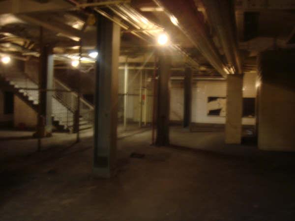 (22k, 600x450)<br><b>Country:</b> United States<br><b>City:</b> New York<br><b>System:</b> New York City Transit<br><b>Line:</b> IND Fulton Street Line<br><b>Location:</b> Utica Avenue <br><b>Photo by:</b> Mike Scott<br><b>Date:</b> 2008<br><b>Notes:</b> Unused mezzanine.<br><b>Viewed (this week/total):</b> 6 / 3410