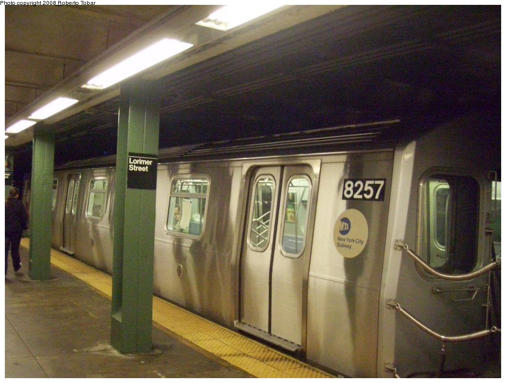 (203k, 1044x790)<br><b>Country:</b> United States<br><b>City:</b> New York<br><b>System:</b> New York City Transit<br><b>Line:</b> BMT Canarsie Line<br><b>Location:</b> Lorimer Street <br><b>Route:</b> L<br><b>Car:</b> R-143 (Kawasaki, 2001-2002) 8257 <br><b>Photo by:</b> Roberto C. Tobar<br><b>Date:</b> 4/12/2008<br><b>Viewed (this week/total):</b> 0 / 2018