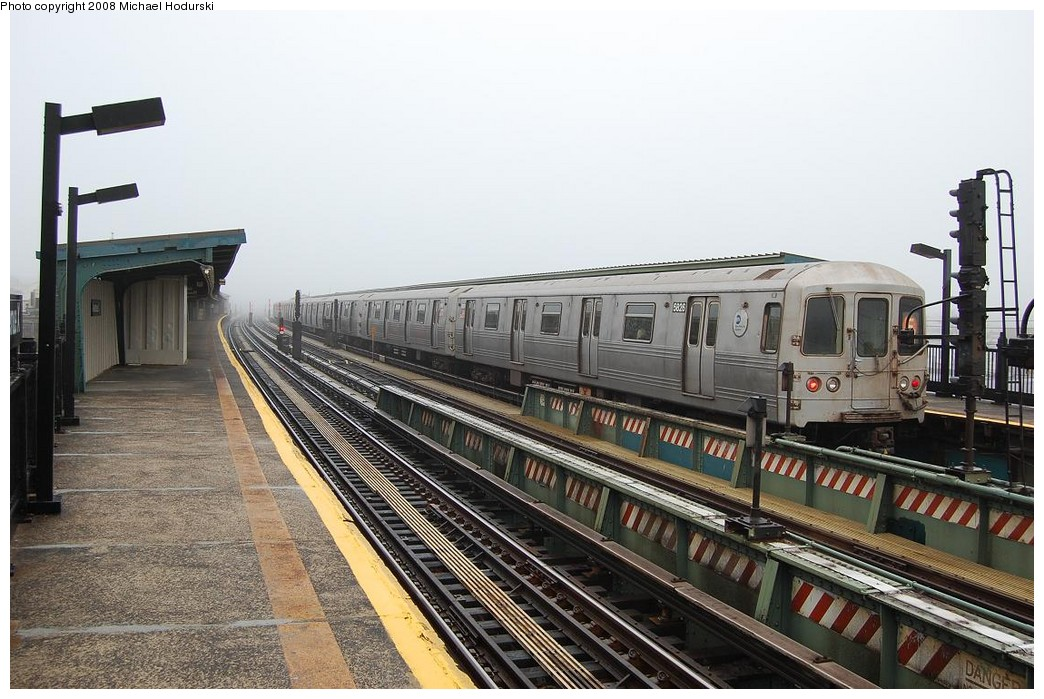 (242k, 1044x699)<br><b>Country:</b> United States<br><b>City:</b> New York<br><b>System:</b> New York City Transit<br><b>Line:</b> BMT Culver Line<br><b>Location:</b> Avenue X <br><b>Route:</b> F<br><b>Car:</b> R-46 (Pullman-Standard, 1974-75) 5826 <br><b>Photo by:</b> Michael Hodurski<br><b>Date:</b> 4/12/2008<br><b>Viewed (this week/total):</b> 1 / 1219