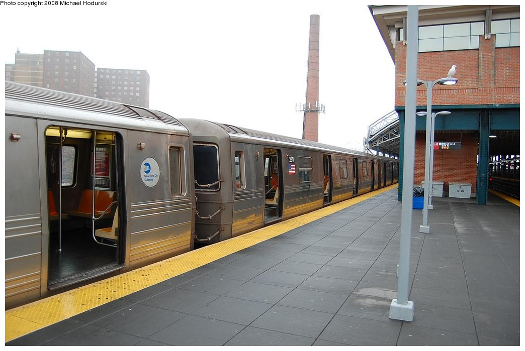 (200k, 1044x699)<br><b>Country:</b> United States<br><b>City:</b> New York<br><b>System:</b> New York City Transit<br><b>Location:</b> Coney Island/Stillwell Avenue<br><b>Route:</b> N<br><b>Car:</b> R-68 (Westinghouse-Amrail, 1986-1988)  2811 <br><b>Photo by:</b> Michael Hodurski<br><b>Date:</b> 4/11/2008<br><b>Viewed (this week/total):</b> 0 / 2152