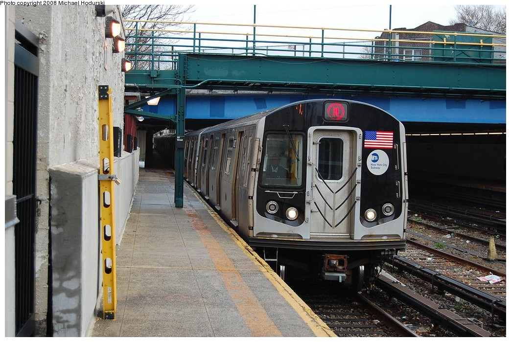 (272k, 1044x699)<br><b>Country:</b> United States<br><b>City:</b> New York<br><b>System:</b> New York City Transit<br><b>Line:</b> BMT Sea Beach Line<br><b>Location:</b> 86th Street <br><b>Route:</b> N<br><b>Car:</b> R-160B (Kawasaki, 2005-2008)  8827 <br><b>Photo by:</b> Michael Hodurski<br><b>Date:</b> 4/11/2008<br><b>Viewed (this week/total):</b> 1 / 1602