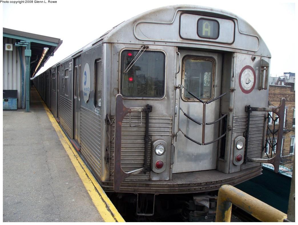 (222k, 1044x788)<br><b>Country:</b> United States<br><b>City:</b> New York<br><b>System:</b> New York City Transit<br><b>Line:</b> IND Fulton Street Line<br><b>Location:</b> Lefferts Boulevard <br><b>Route:</b> A<br><b>Car:</b> R-38 (St. Louis, 1966-1967)  3957 <br><b>Photo by:</b> Glenn L. Rowe<br><b>Date:</b> 4/9/2008<br><b>Viewed (this week/total):</b> 3 / 1219