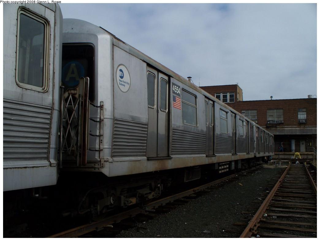 (165k, 1044x788)<br><b>Country:</b> United States<br><b>City:</b> New York<br><b>System:</b> New York City Transit<br><b>Location:</b> 207th Street Yard<br><b>Car:</b> R-42 (St. Louis, 1969-1970)  4554 <br><b>Photo by:</b> Glenn L. Rowe<br><b>Date:</b> 4/8/2008<br><b>Viewed (this week/total):</b> 0 / 1262