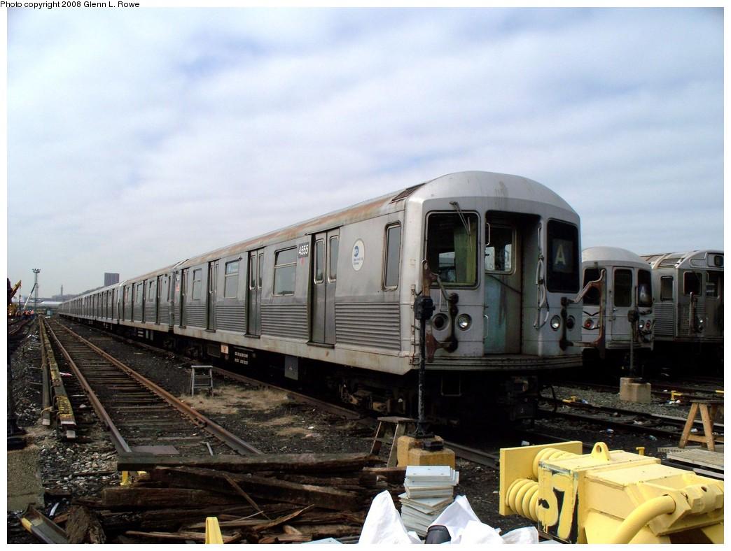 (199k, 1044x788)<br><b>Country:</b> United States<br><b>City:</b> New York<br><b>System:</b> New York City Transit<br><b>Location:</b> 207th Street Yard<br><b>Car:</b> R-42 (St. Louis, 1969-1970)  4555 <br><b>Photo by:</b> Glenn L. Rowe<br><b>Date:</b> 4/8/2008<br><b>Viewed (this week/total):</b> 4 / 1376