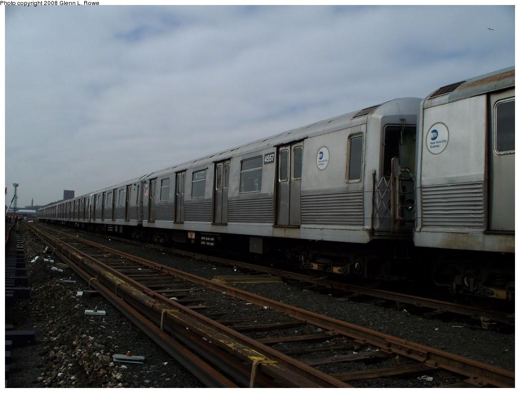 (168k, 1044x788)<br><b>Country:</b> United States<br><b>City:</b> New York<br><b>System:</b> New York City Transit<br><b>Location:</b> 207th Street Yard<br><b>Car:</b> R-42 (St. Louis, 1969-1970)  4557 <br><b>Photo by:</b> Glenn L. Rowe<br><b>Date:</b> 4/8/2008<br><b>Viewed (this week/total):</b> 1 / 1170