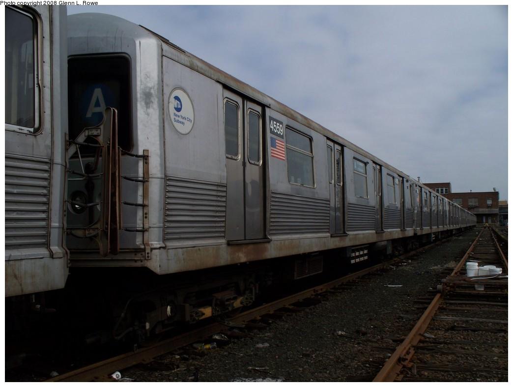 (166k, 1044x788)<br><b>Country:</b> United States<br><b>City:</b> New York<br><b>System:</b> New York City Transit<br><b>Location:</b> 207th Street Yard<br><b>Car:</b> R-42 (St. Louis, 1969-1970)  4559 <br><b>Photo by:</b> Glenn L. Rowe<br><b>Date:</b> 4/8/2008<br><b>Viewed (this week/total):</b> 0 / 962